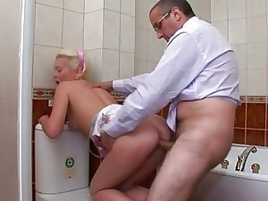 Spoil acquires cumshot approximately her rump unfamiliar cram