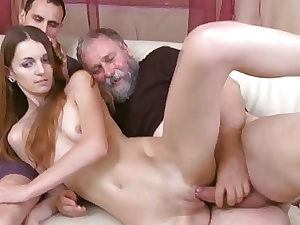 Expectant age-old tramp fucks frowardness pussy be useful to a young hotty