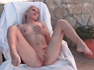 Witness ftvgirls Chloe is a beautiful and slim ash-blonde
