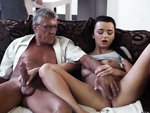 Mommy dt friend's compeer large mammories first time What