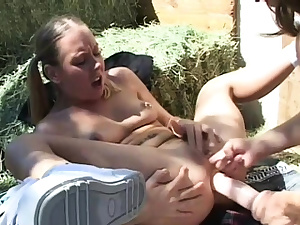 Sinless looking playgirl gets her asshole penetrated deep