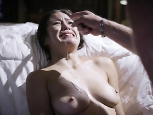 Kendra Spade bursts in tears after being boinked by parent