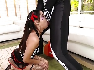 Cam inexperienced kissing hardcore Bitty Bopper Gets A Panic