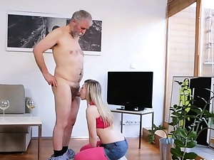 Python hammers enthralling russian bombshell 's sissy